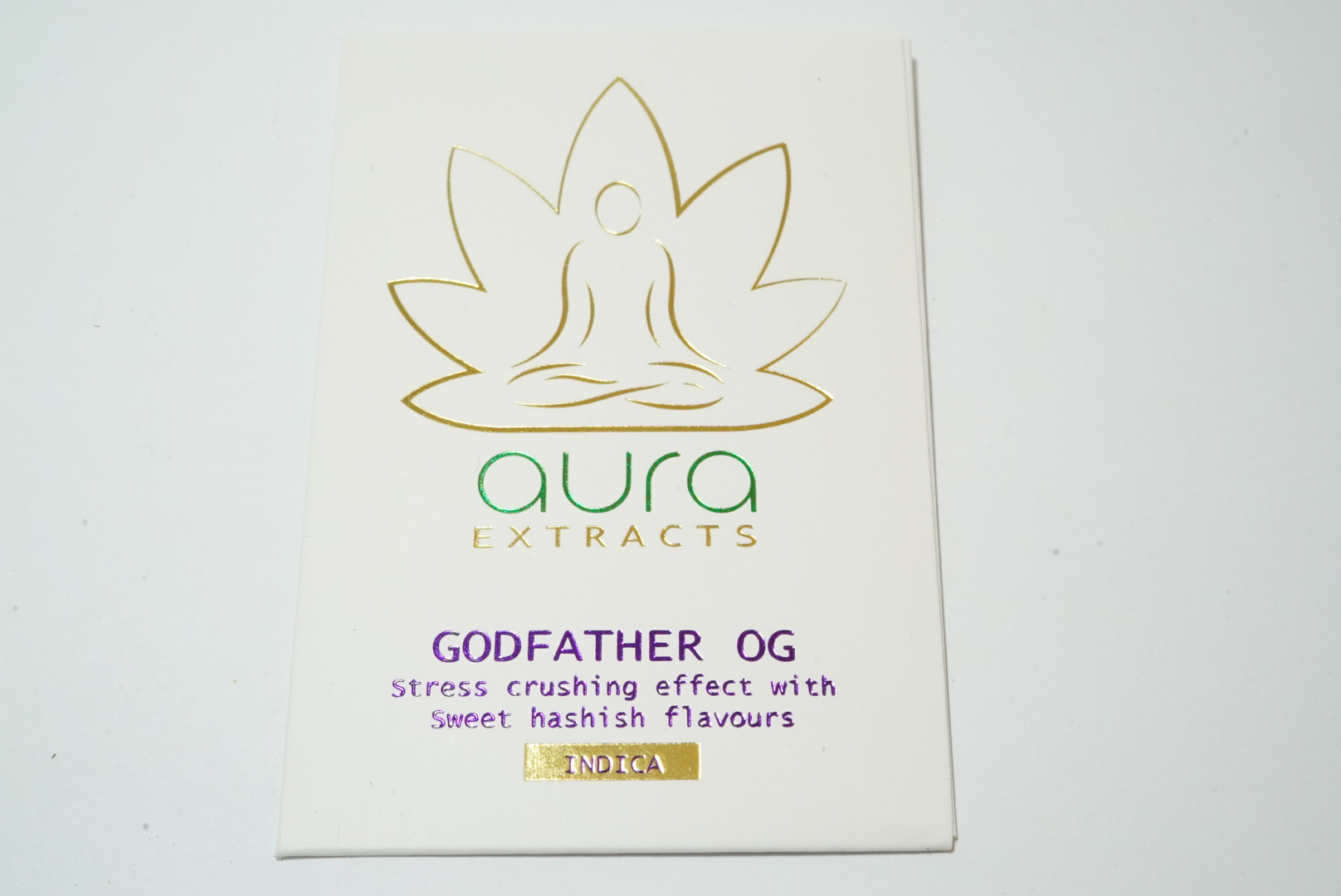 Aura Extracts Shatter by Get Kush - Image © 2018 Get Kush. All Rights Reserved.